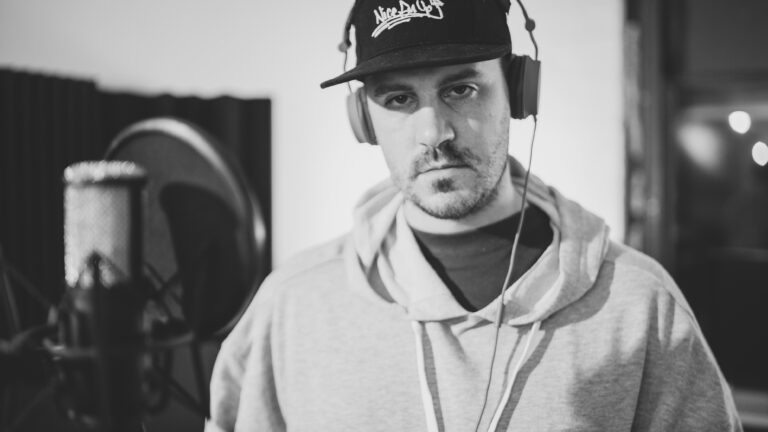 jackson-whalan-recording-studio-microphone-press-photo-rapper